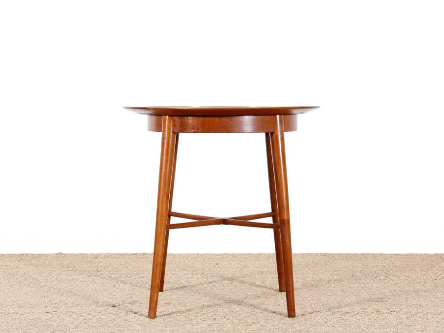 Petite table d appoint scandinave en acajou galerie m bler for Petite table scandinave