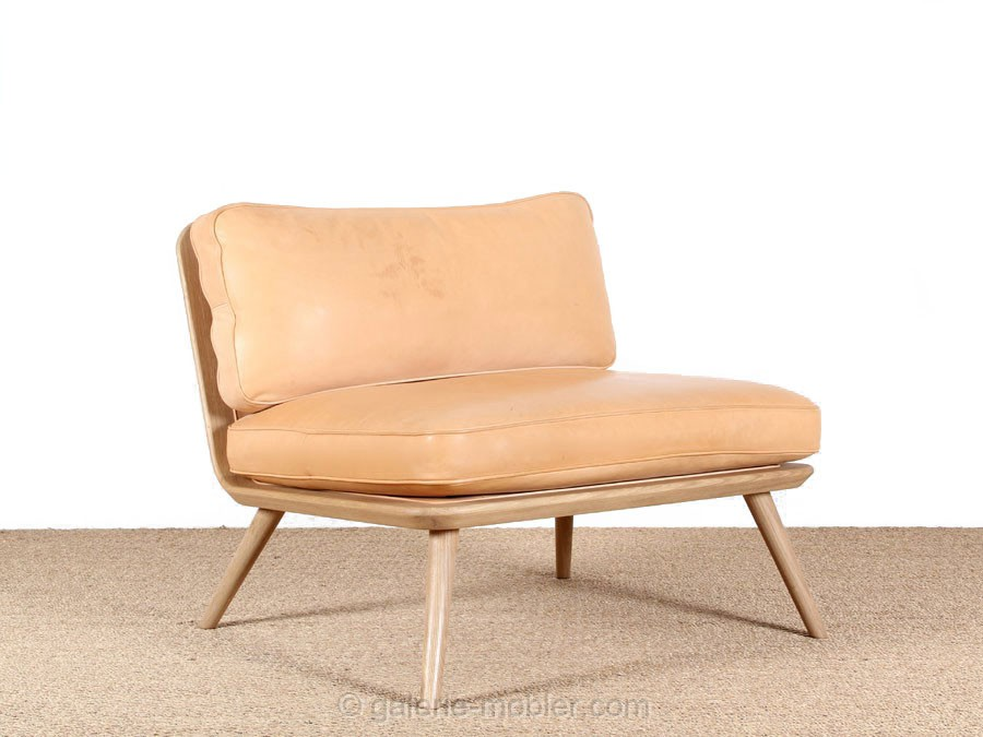 Chauffeuse scandinave spine 1710 galerie mobler for Chauffeuse scandinave