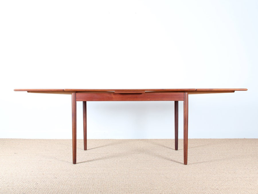 Table de repas scandinave en teck 4 6 pers galerie m bler for Table scandinave en teck