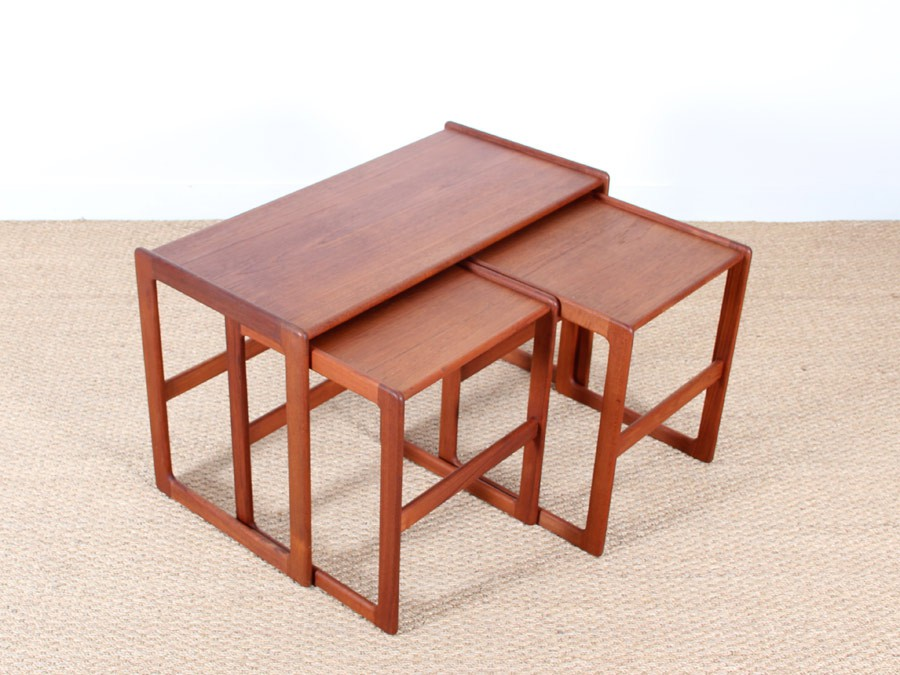 Set of three scandinavian nesting tables in teak - Galerie Møbler