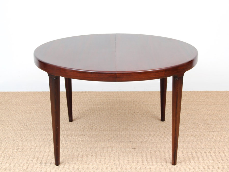 Scandinavian round dining table in Rio rosewood - Galerie Møbler