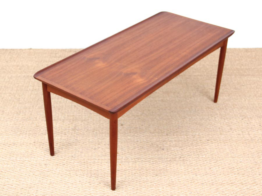Petite table basse scandinave en teck galerie m bler for Petite table scandinave
