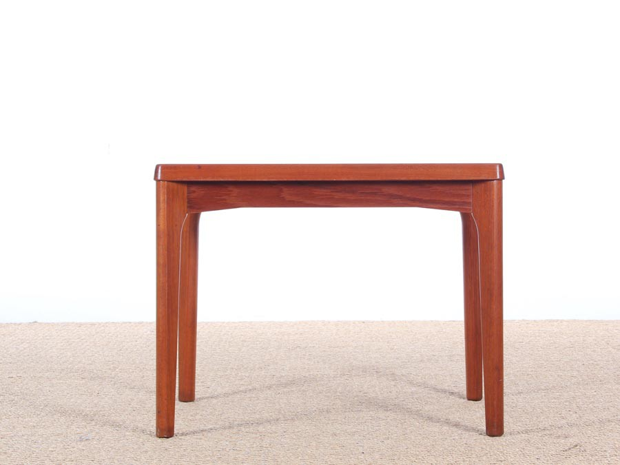 Danish mid century modern side table in teck by henning - Table teck exterieur ...