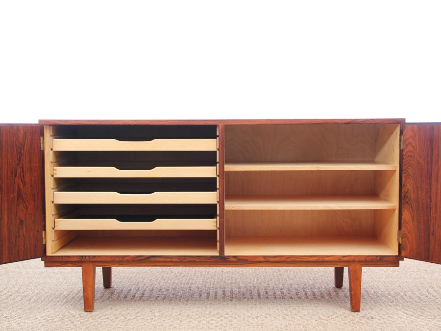 buffet bas scandinave en palissandre de rio galerie m bler. Black Bedroom Furniture Sets. Home Design Ideas