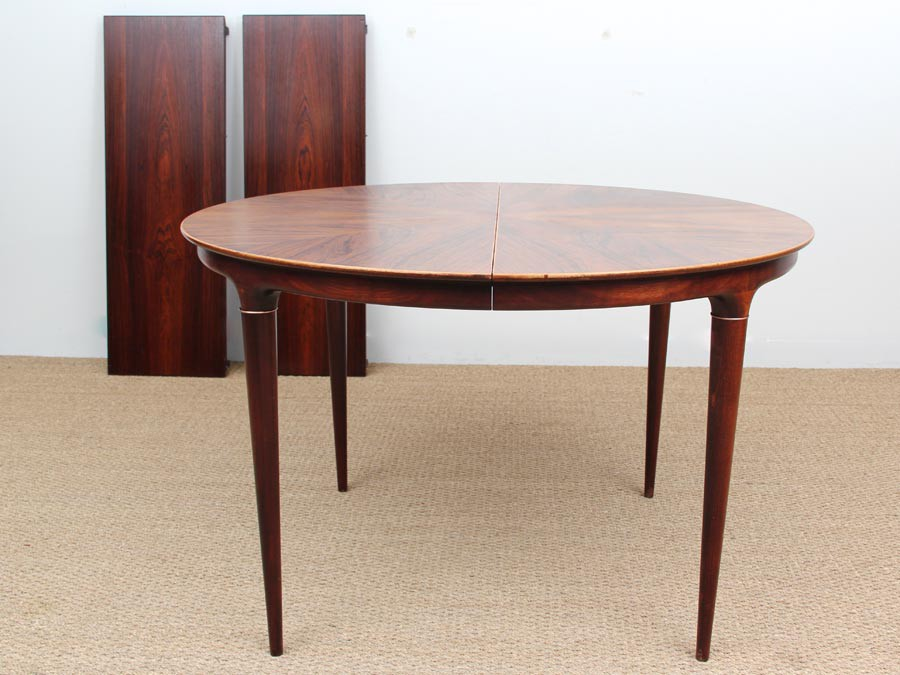 danish mid century modern round dining table by illum wikkels galerie m bler. Black Bedroom Furniture Sets. Home Design Ideas