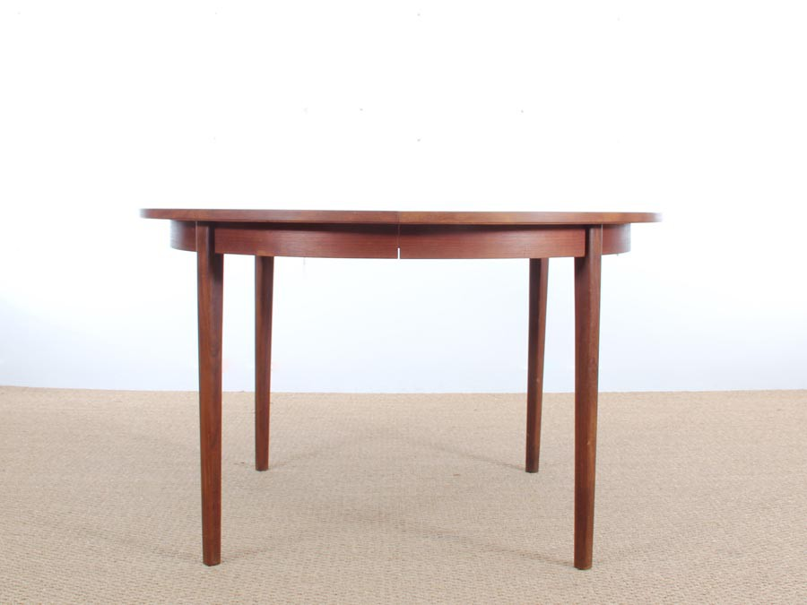 Table ronde scandinave en teck 2 allonges 4 8 pers for Table scandinave en teck