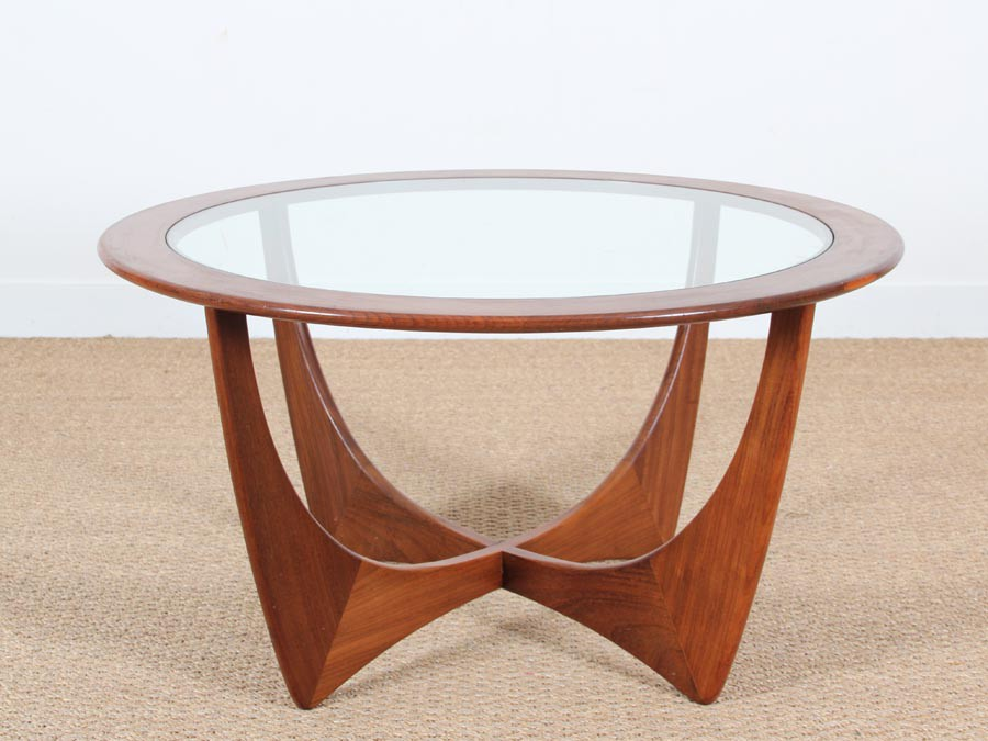 Table basse scandinave ronde en teck en et verre galerie for Table scandinave en verre