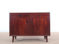 Mid-Century  modern  side board in Rio rosewood by Poul Hundevad