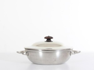 Mid-Century  modern pot in white Disko metal by Just Andersen