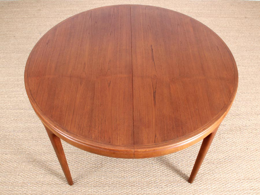 Table de repas scandinave ronde en teck extensible 4 10 for Table repas ronde