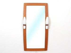 Mid-Century modern mirror in teak with opale lamps
