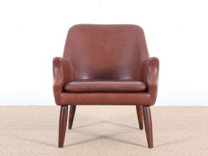 Mid-Century  modern scandinavian lounge chair in cognac leather