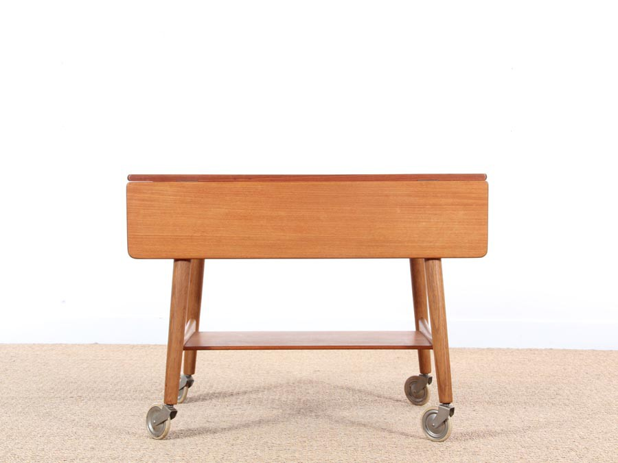 Table scandinave d 39 appoint roulette et rabas galerie - Table d appoint scandinave ...