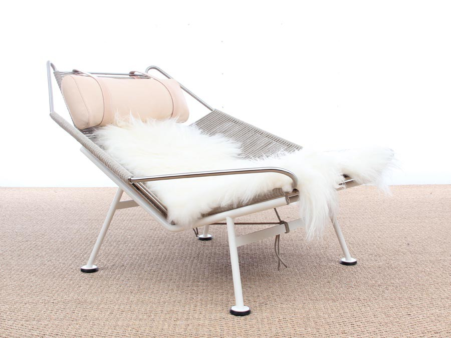 Lounge Chair Flag Halyard Pp 225 Lacquered Base By Hans