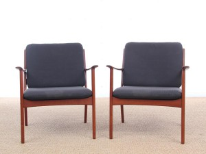 Mid-Century Modern Danish pair of  lounge chairs in teak model PJ 112 by Ole Wanscher