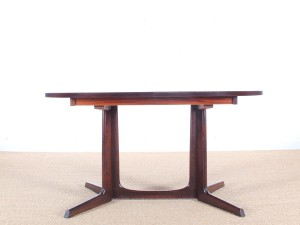 Mid-Century  modern dining table in rosewood 6/10 seats.