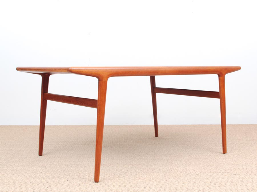 Table de repas scandinave en teck 6 10 pers galerie m bler for Table repas scandinave