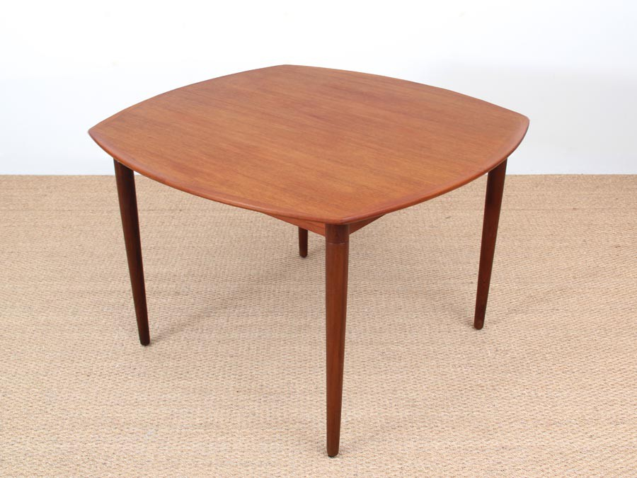 Mid Century modern dining table in teak by H W Klein 4  : mid century modern dining table in teak by h w klein 410 seats from www.galerie-mobler.com size 900 x 675 jpeg 112kB