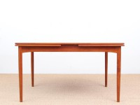 Mid-Century modern dining table in teak by Borge Mogensen, 6/10 seats.