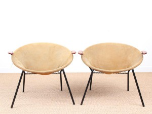 Mid-Century  modern scandinavian pair of balloon chairs by Hans Olsen