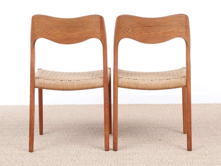 ... Mid Century Modern Danish Pair Of Chairs In Oak Model 71 By Niels O. ...