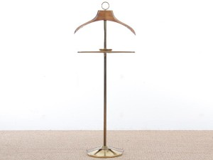 Mid-Century  modern scandinavian vallet in beech and brass