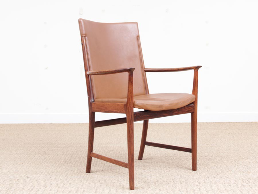 Mid Century Modern Pair Of Armchair In Rio Rosewood And
