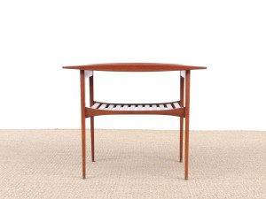Mid-Century  modern side table in teak by Tove and Edvard Kindt-Larsen model FD 510