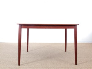 Mid-Century Modern danish extendable dining table in teak, 4/10 seats