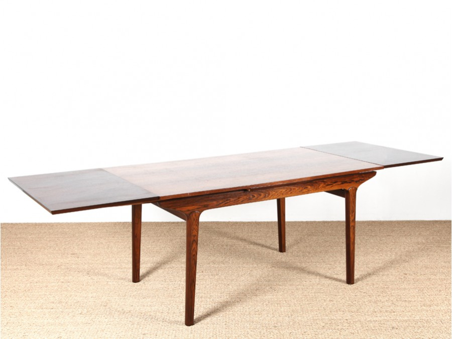 Table de repas scandinave en palissandre galerie m bler for Table repas scandinave