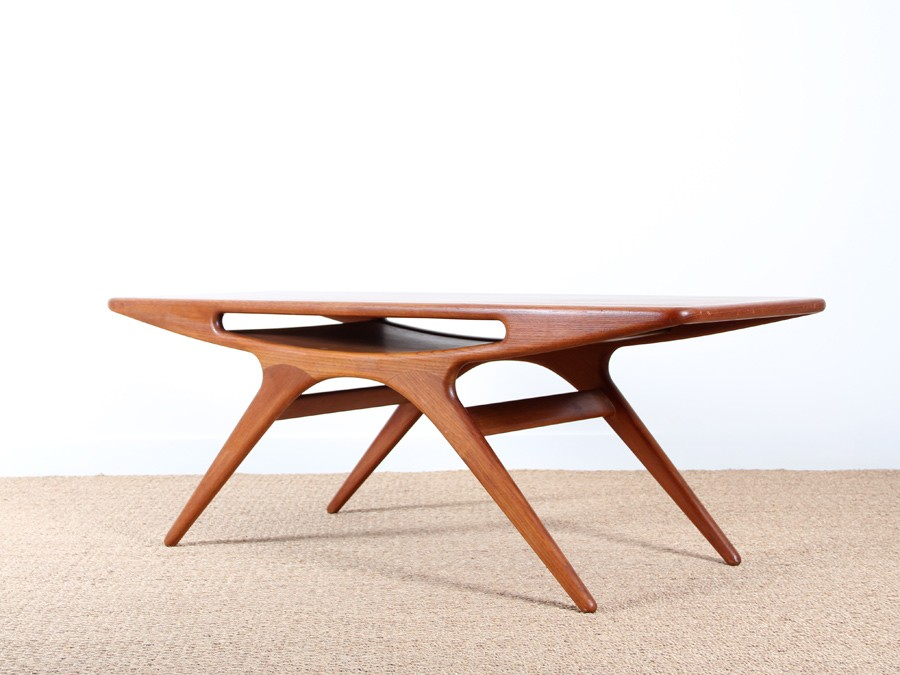 Coffee table in teak model smile galerie m bler for Table basse scandinave laquee