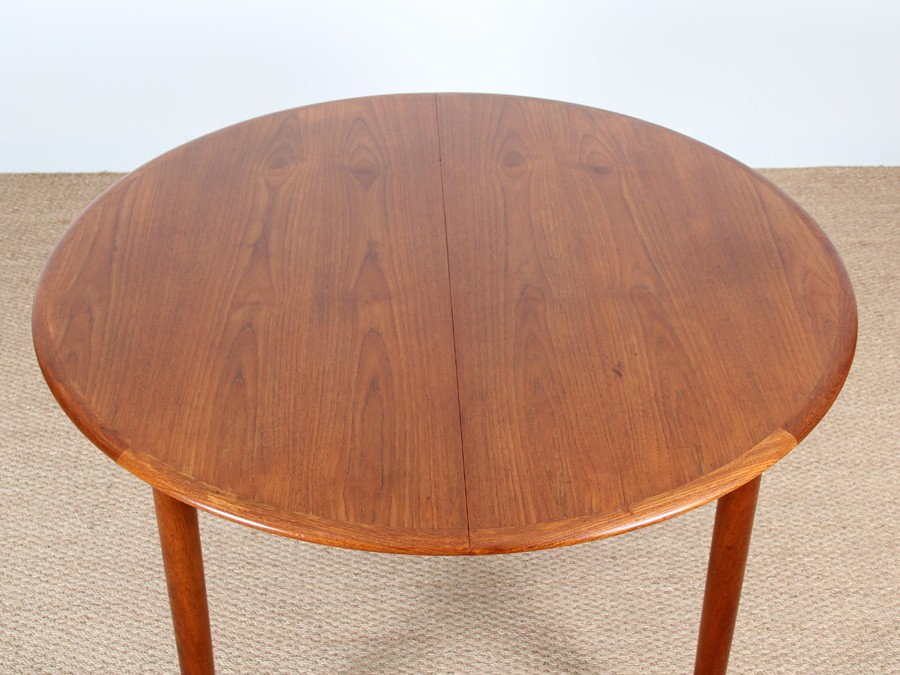 Scandinavian round dining table in teak 4 6 people - Table ronde 6 personnes ...