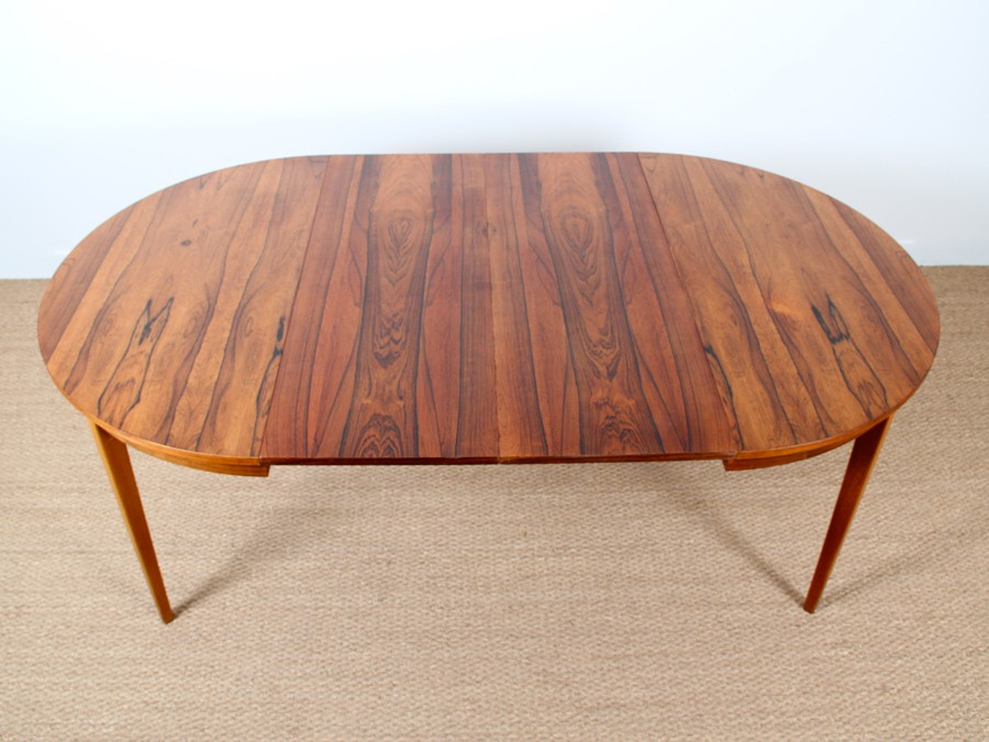 Extendable round dining table in rosewood 4 to 8 seats  : table de repas ronde a rallonge en palissandre 4 a 8 pers from www.galerie-mobler.com size 900 x 675 jpeg 118kB