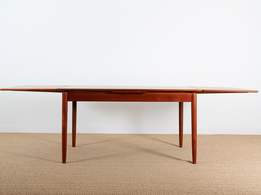 Table scandinave en teck 6 10 pers galerie m bler for Table scandinave en teck