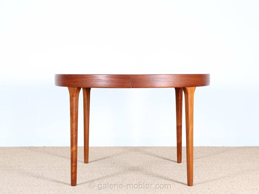 Table scandinave extensible en teck 4 10 pers for Table scandinave extensible