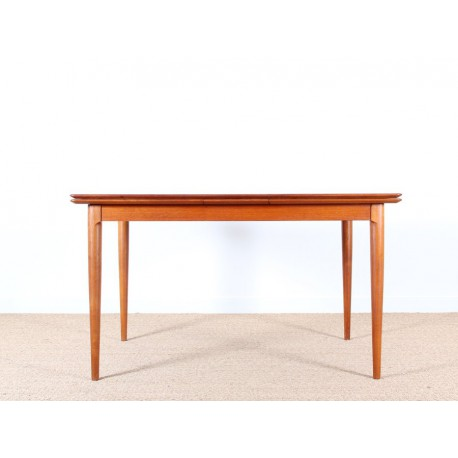 Table scandinave extensible en teck 4 6 pers galerie for Table extensible 4 a 6 personnes