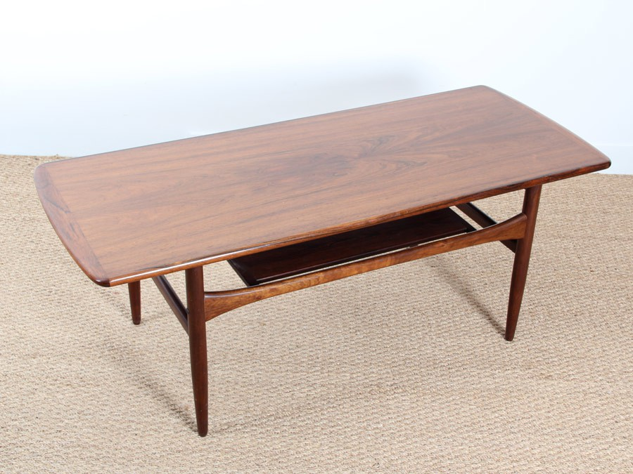 Table basse scandinave en palissandre de rio galerie m bler for Meuble scandinave table basse