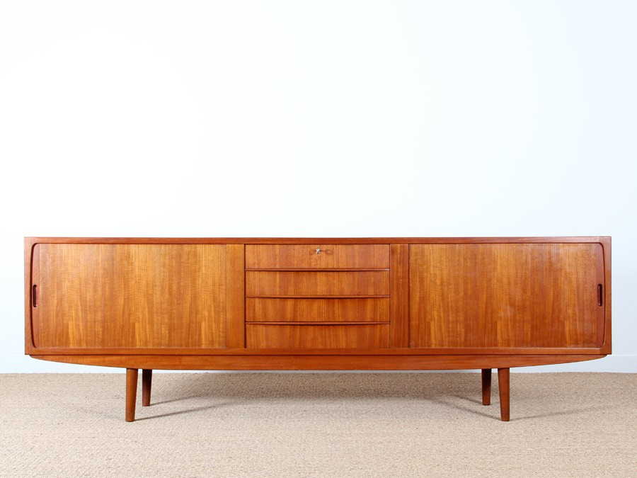 Long scandinavian sideboard in teak galerie m bler for Sideboard scandi