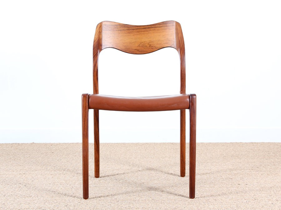 mid modern set of 4 chairs in rosewood model 71 by niels moller