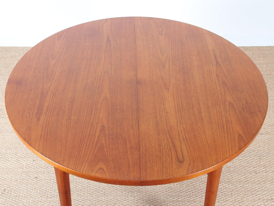 Table de repas scandinave ronde en teck 4 8 pers for Table repas ronde