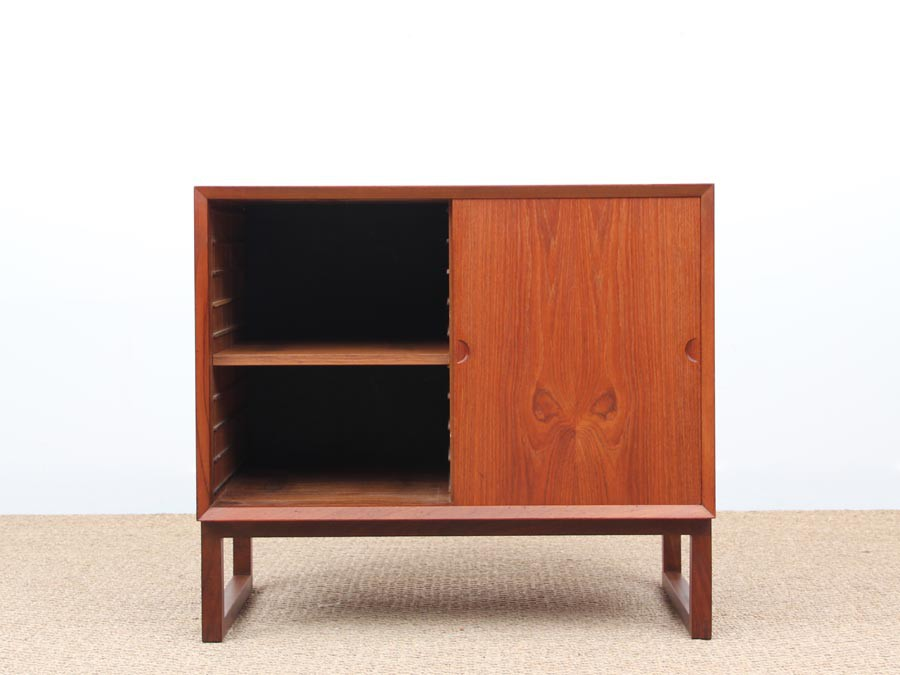 Small Danish Modern Sideboard By Poul Cadovius Galerie