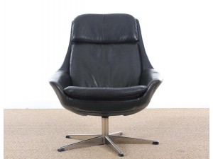 Danish mid-century modern swivel  lounge chair