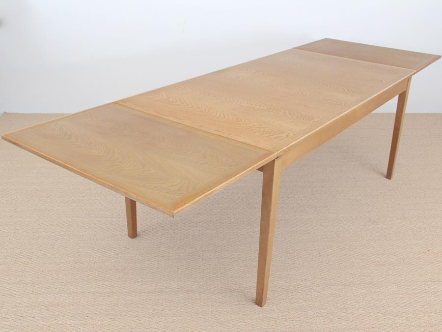Danish Mid Century Modern Extendable Dining Table In Oak