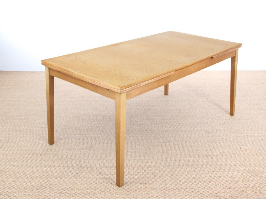 Danish Mid Century Modern Extendable Dining Table In Oak By