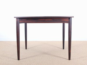 Scandinavian dining table in Rio rosewood (4/10 seats)