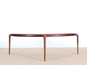 Danish mid-century modern coffe table in Rio rosewood by Johannes Andersen
