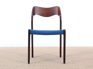Mid-century modern set of 4 chairs in Rio rosewood, model 71 by Niels O. Møller
