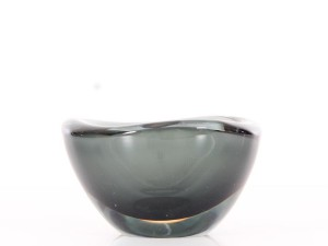 Mid-Century  modern  small Selena somerso bowl by Sven Palmqvist for Orrefors