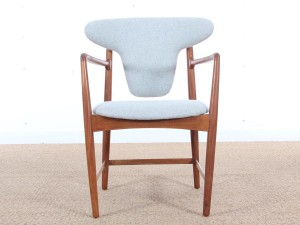Mid-Century  modern  arm chair in mahogany by Kofod Larsen