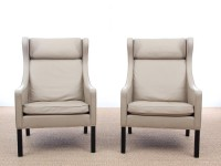 Mid-Century  modern  pair of Wing Chairs 2204 by Borge Mogensen